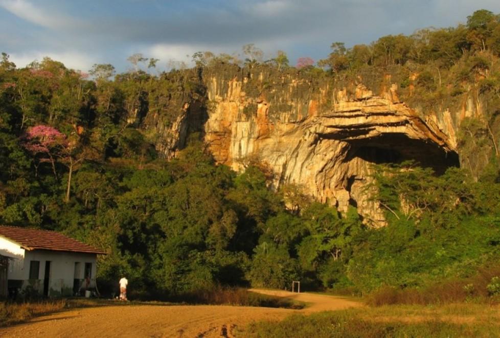 Dinâmica trófica em cavernas do cerrado do Brasil central